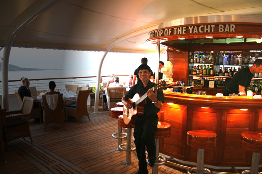 Top-of-the-Yacht Bar